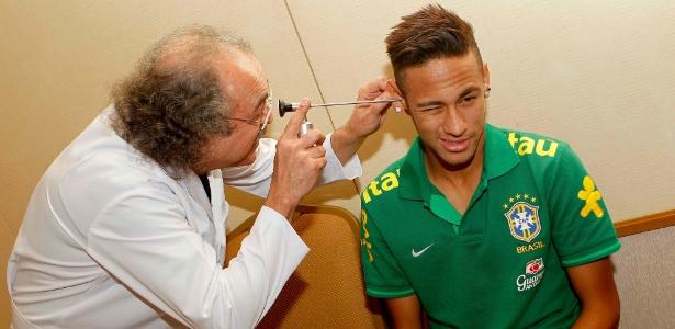 Neymar está com a seleção brasileiro e passou por exames médicos nesta quarta-feira