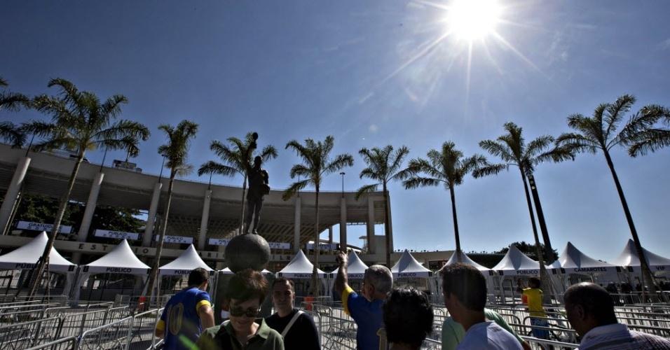 Torcedores chegam ao Maracanã, que abrigará o amistoso entre Brasil x Inglaterra