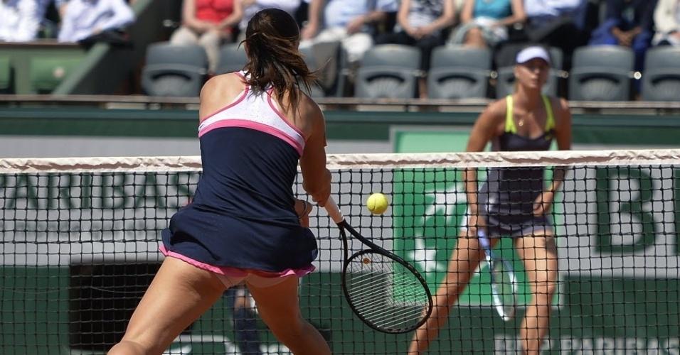 05.jun.2013 - Jelena Jankovic e Maria Sharapova duelam nas quartas de final em Roland Garros