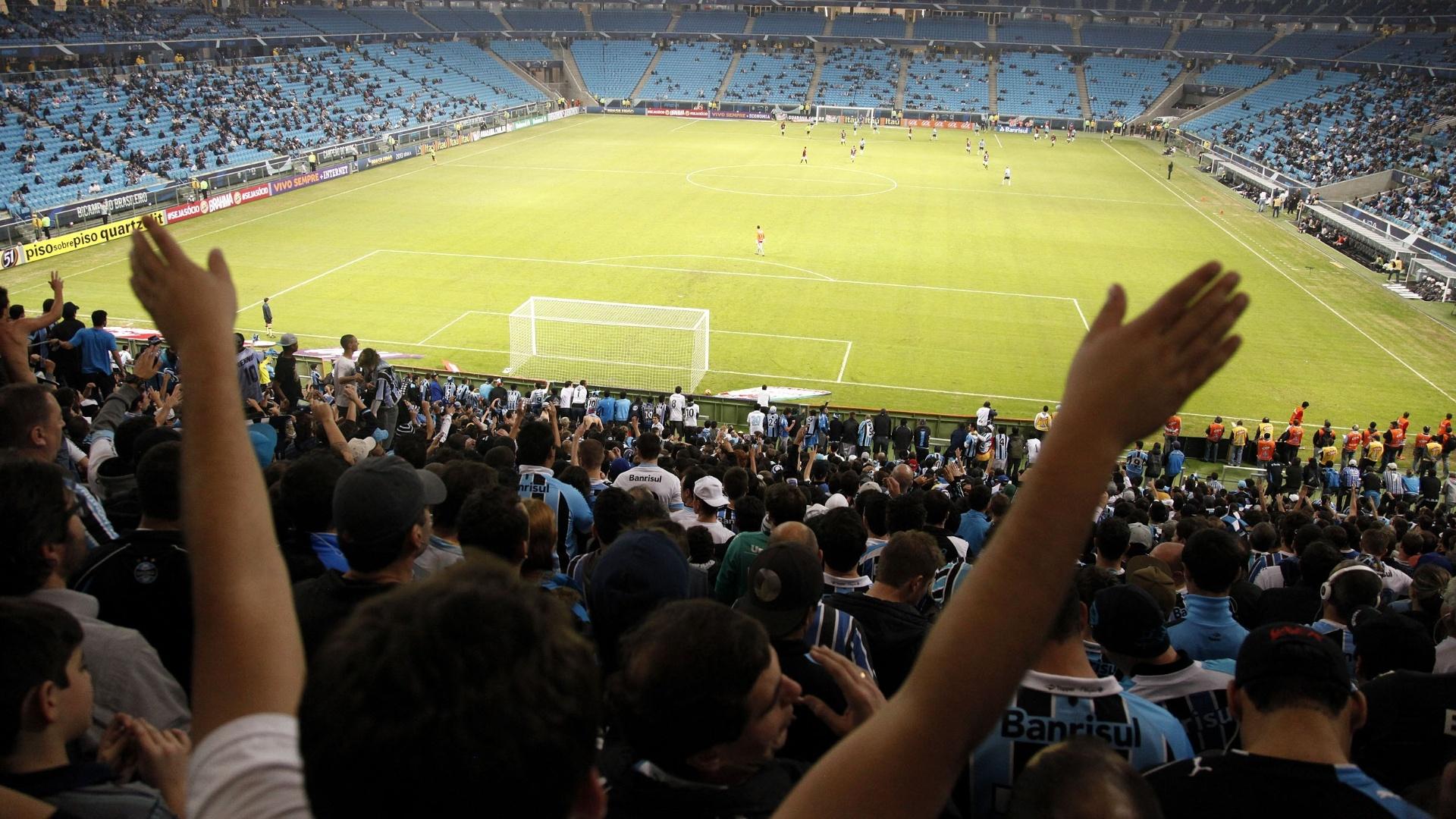 Reabertura da arquibancada da Arena do Grêmio anima torcedores