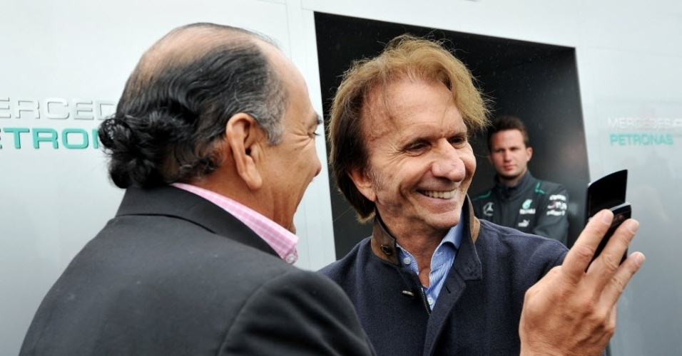 Ex-piloto Emerson Fittipaldi assiste a treinos em Montreal