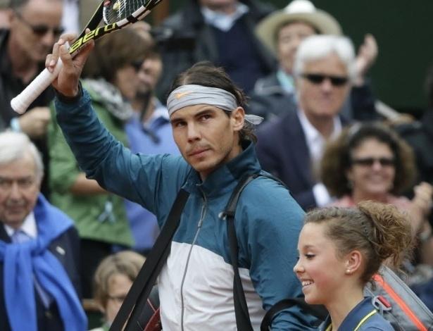 09.jun.2013 - Rafael Nadal entra na quadra Philippe Chatrier para a decisão em Paris contra David Ferrer