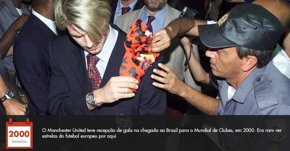 O Manchester United teve recepção de gala na chegada ao Brasil para o Mundial de Clubes, em 2000. Era raro ver estrelas do futebol europeu por aqui
