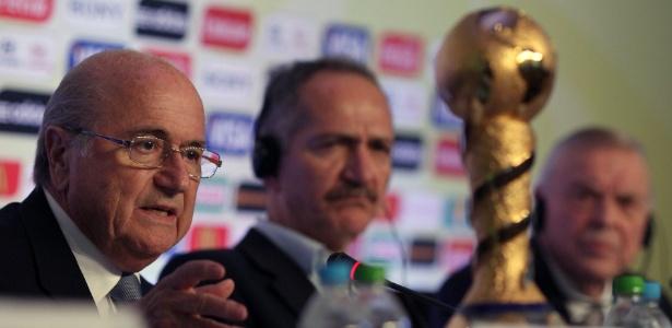 Blatter voltará ao Brasil na quarta-feira para assistir à semifinal da Copa das Confederações