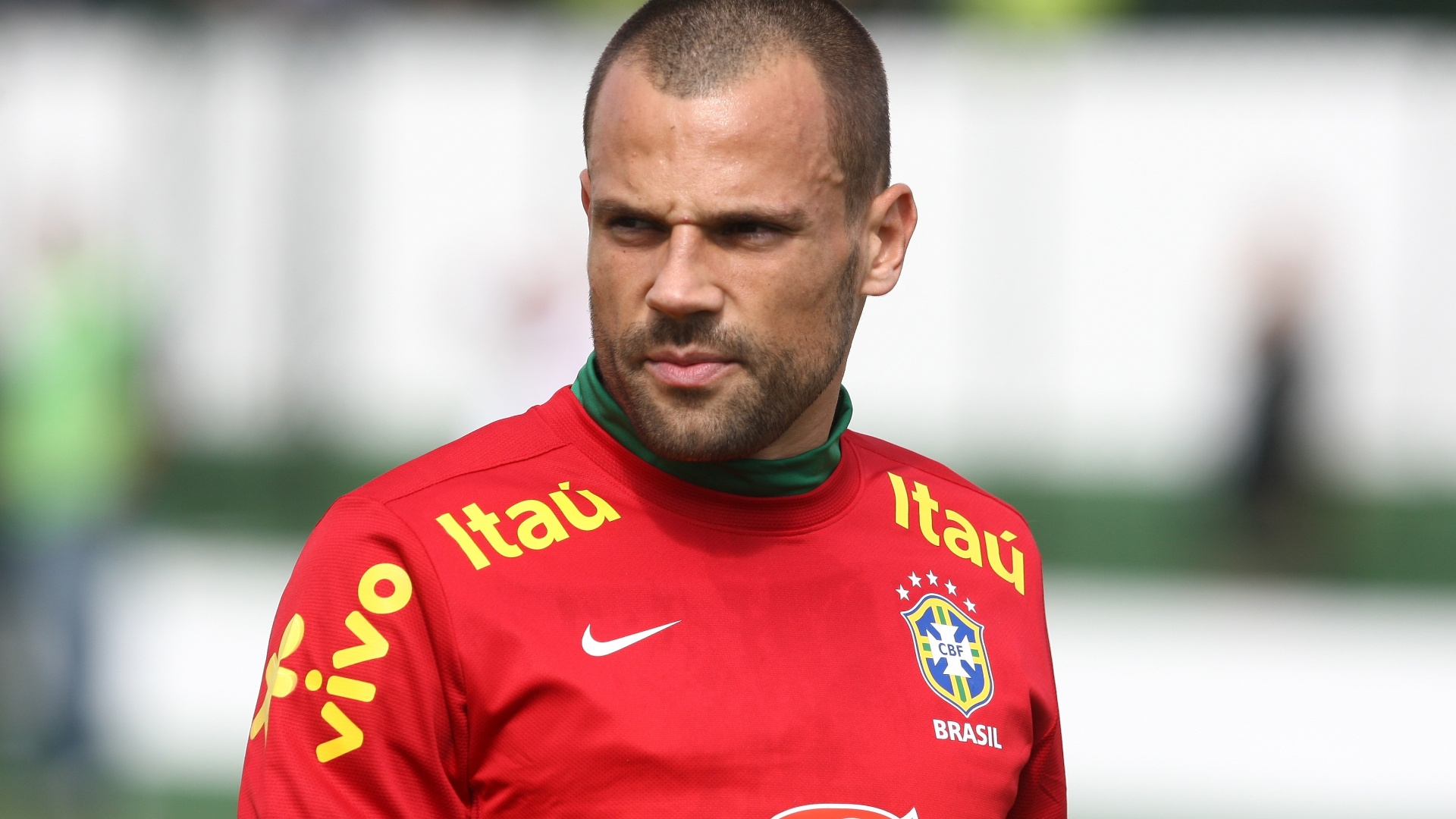 04.jun.2013 - Goleiro Diego Cavalieri é fotografado durante treino da seleção brasileira