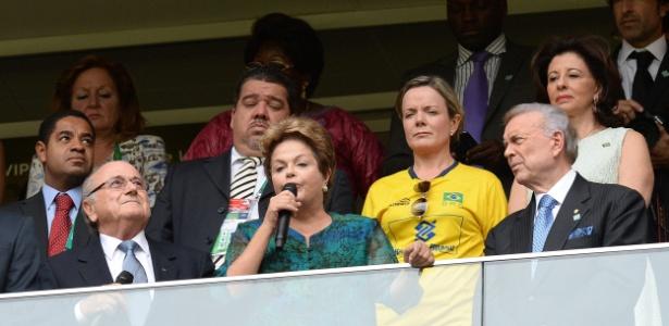 A presidente Dilma Rousseff discursa na abertura da Copa das Confederações