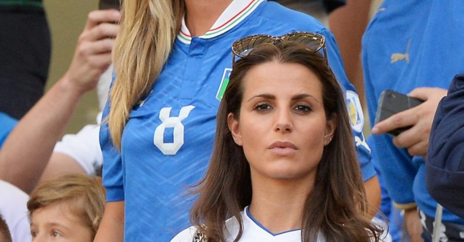 16.jun.2013 - Cristina de Pin, mulher de Riccardo Montolivo, assiste à partida entre Itália e México pela Copa das Confederações no Maracanã