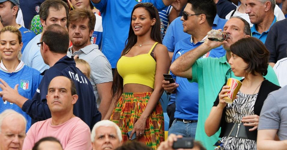 16.jun.2013 - Fanny Neguesha, namorada de Mario Balotelli, foi ao Maracanã para acompanhar a partida entre Itália e México pela Copa das Confederações