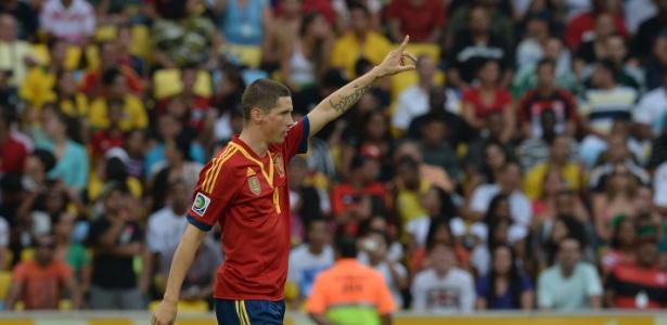 Melhor do jogo com o Taiti, Fernando Torres diz ver as vaias no Brasil com naturalidade