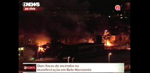 26.jun.2013 Focos de incêndio na manifestação em Belo Horizonte