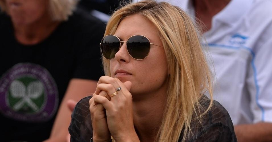 27.jun.2013 - Maria Sharapova é vista atenta ao jogo do namorada, Grigor Dimitrov, contra o esloveno Grega Zemlja