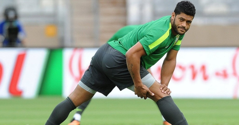 28.jun.2013 - O atacante Hulk participa de treino da seleção brasileira em Belo Horizonte, antes da semifinal da Copa das Confederações antes de Brasil e Uruguai