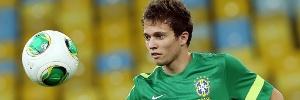 Seleção brasileira: Felipão deve colocar Bernard e Júlio César no time titular em amistoso contra a Austrália