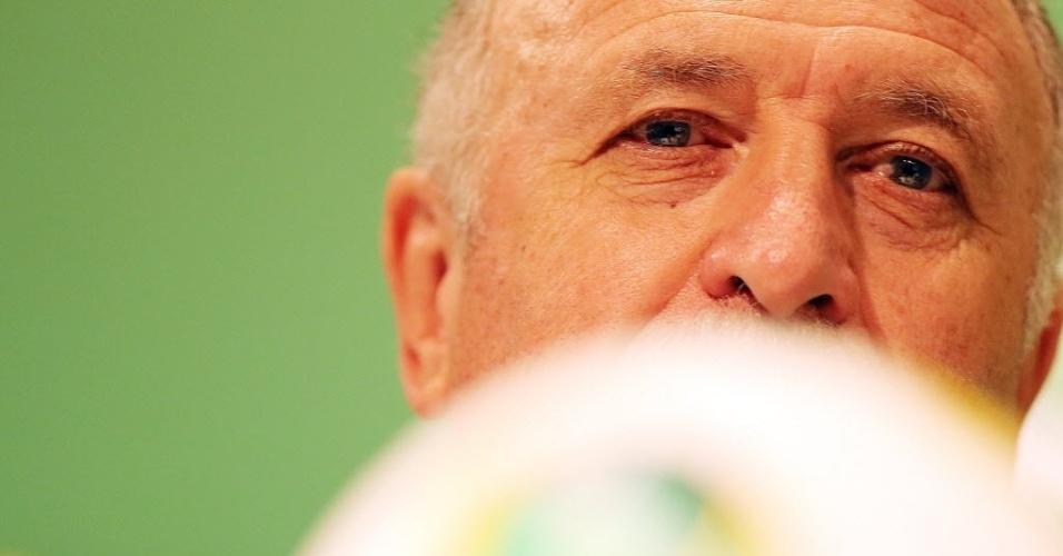 29.jun.2013 - Felipão, treinador da seleção brasileira, participa de entrevista coletiva no Rio de Janeiro