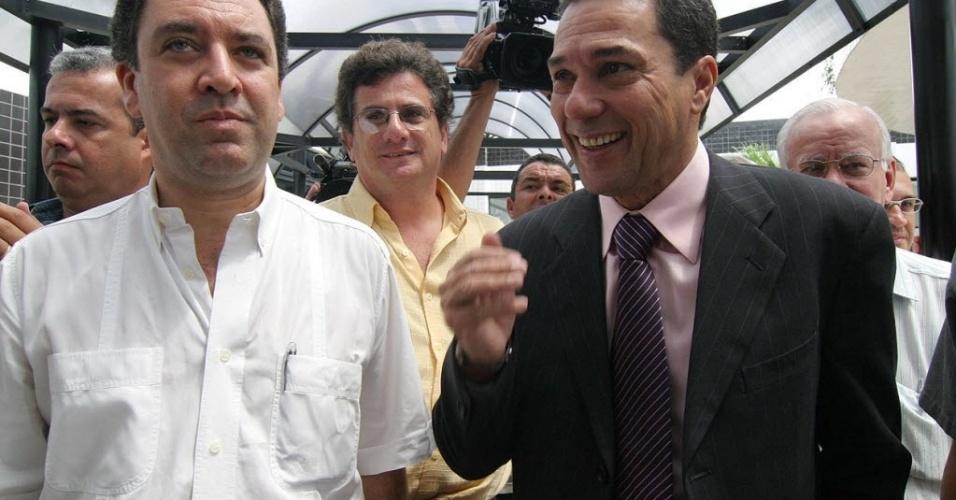 Marcelo Teixeira, presidente do Santos em 2005, acerta contratação de Vanderlei Luxemburgo