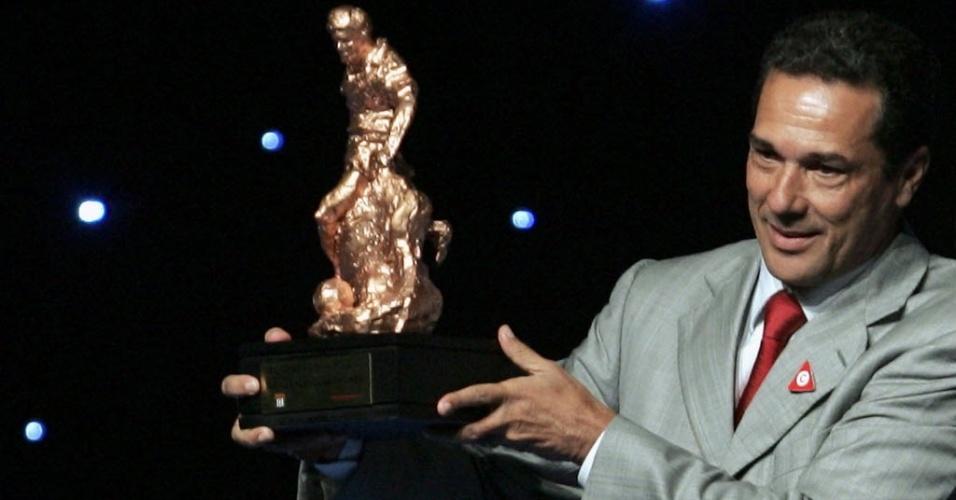 Vanderlei Luxemburgo é premiado pelo título paulista de 2006