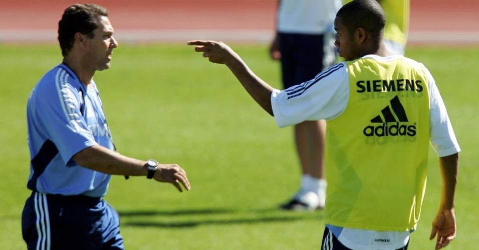Vanderlei Luxemburgo e Robinho durante treinamento do Real Madrid