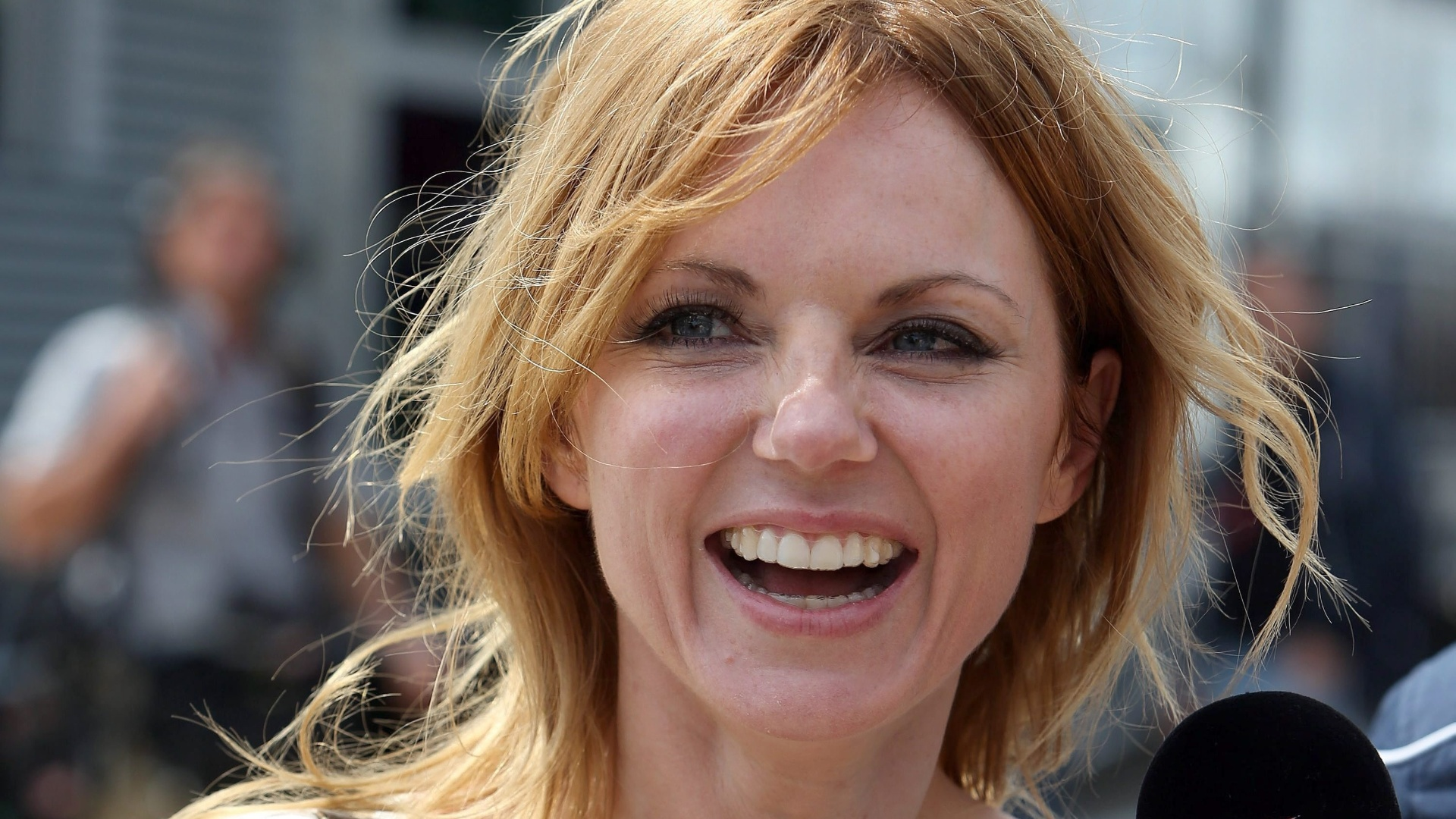 geri halliwell dating 2013 The spice girls 20 years later: geri halliwell a reality talent show which she has been appearing in since 2013 and a presenter for lip sync battle uk.