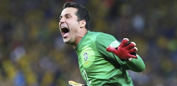 Júlio César comemora gol do Brasil sobre a Espanha na final da Copa das Confederações
