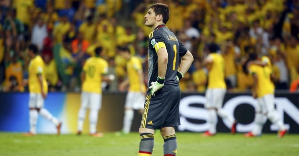 Goleiro Iker Casillas fica estático após terceiro gol brasileiro contra a Espanha na final da Copa das Confederações, no Maracanã