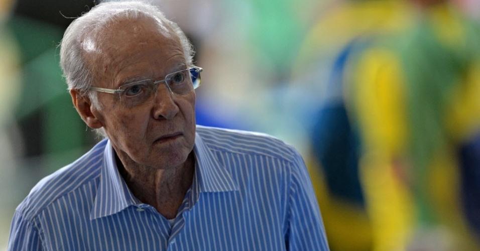 Mario Zagallo é visto no Maracanã para acompanhar o duelo entre Brasil e Espanha, pela final da Copa das Confederações