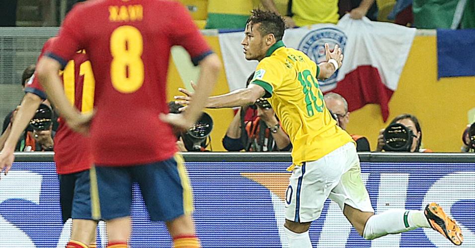 Neymar comemora após marcar o segundo gol do Brasil contra a Espanha na final da Copa das Confederações