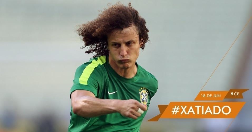 #XATIADO - David Luiz faz biquinho durante treino da seleção brasileira no estádio Castelão, em Fortaleza