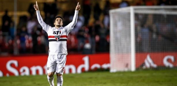 Aloísio teve gol anulado contra o Flamengo