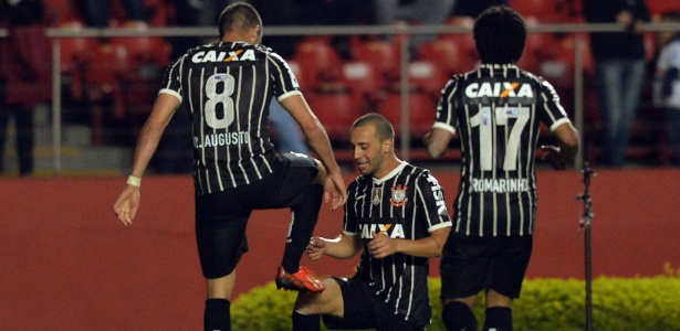 Guilherme celebra golaço de Renato Augusto após encobrir Ceni