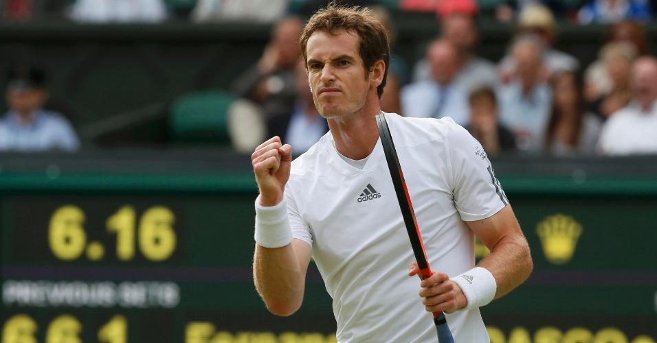 03.jul.2013 - Andy Murray comemora ponto durante a partida contra Fernando Verdasco nas quartas de final de Wimbledon