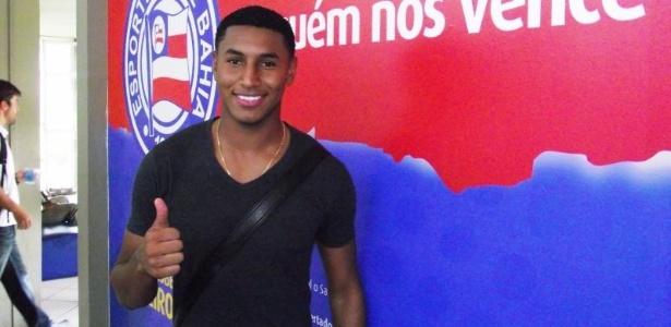 Angulo, lateral direito colombiano contratado pelo Bahia