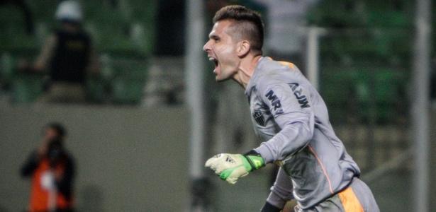 Camisa cinza de manga longa, como usada por Victor na reta final da Libertadores de 2013, jamais foi vendida nas lojas oficiais
