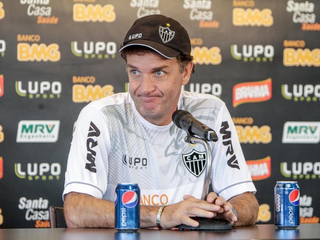 13 jul 2013 - Técnico Cuca concede entrevista na Cidade do Galo, CT do Atlético-MG