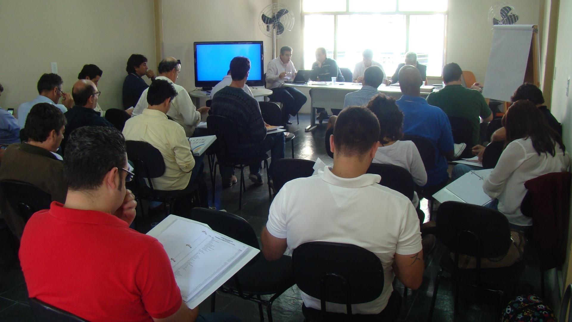 Dirigentes das equipes postulantes a NBB 2013/2014 estiveram presentes na sede da Liga Nacional de Basquete