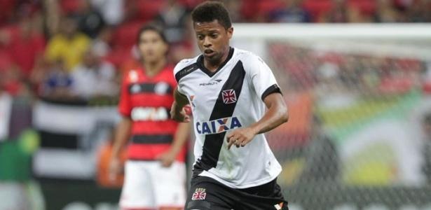 Vasco utilizou camisa com a logo da Caixa no clássico contra o Flamengo