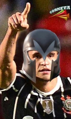 Corneta FC: Renato Augusto treina com nova máscara