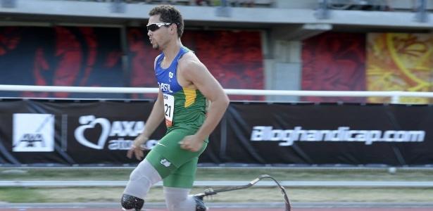 Alan Fonteles corre para conseguir o recorde nos 200 m