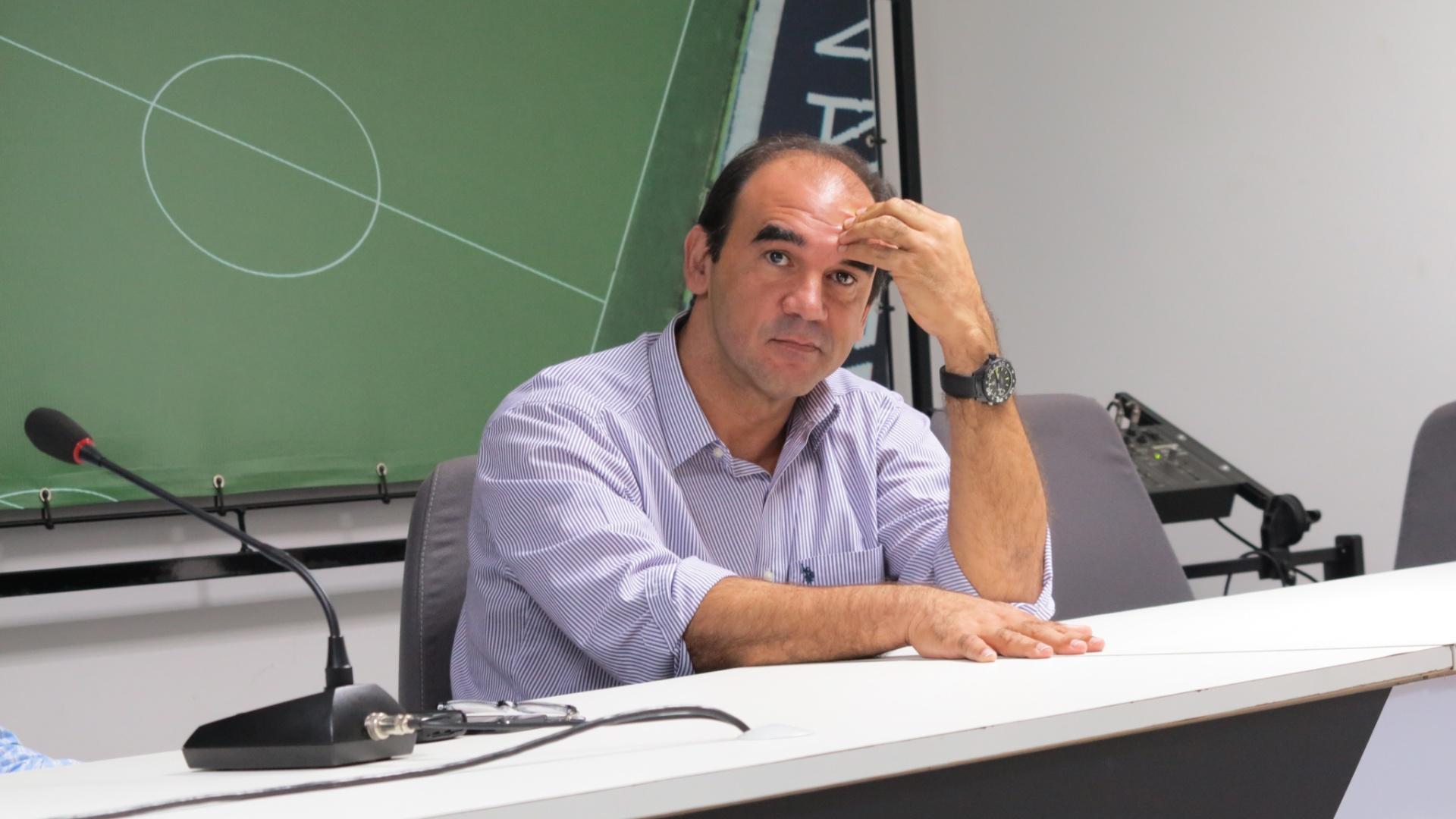 Ricardo Gomes, diretor executivo do Vasco, durante entrevista em São Januário (22/07/2013)