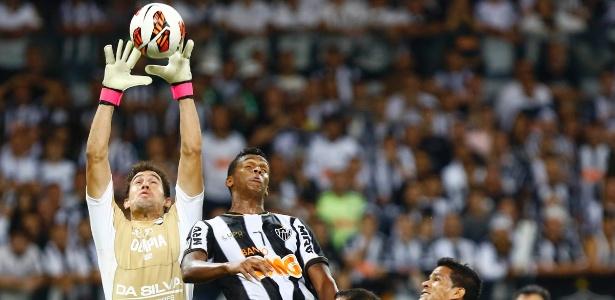 Uruguaio Martin Silva foi destaque do Olimpia na Libertadores de 2013 e está livre no mercado