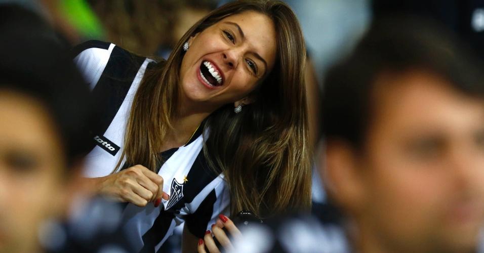 24.07.2013 - Torcidas do Atlético-MG e Olimpia agitam antes da decisão no Mineirão