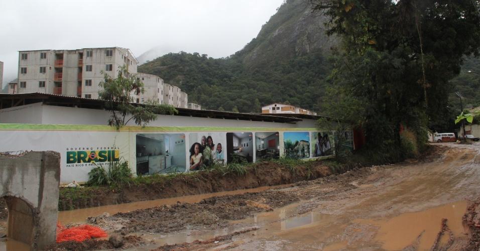 Conjunto Parque Carioca é erguido em área sem infraestrutura urbana completa