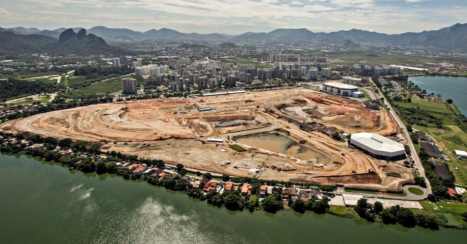 Parque Olímpico da Rio-2016 está sendo construído ao lado da Vila Autódromo