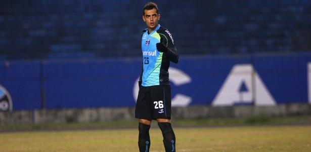 Zagueiro Rhodolfo atuou entre os reservas no jogo-treino contra o Cerâmica nesta 5ª