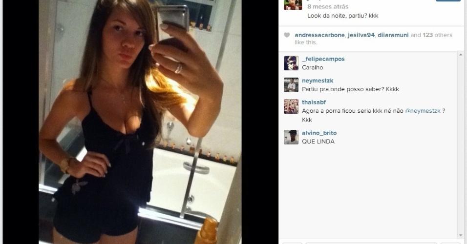 Juliana Paulesini é a namorada de Neílton, atacante do Santos