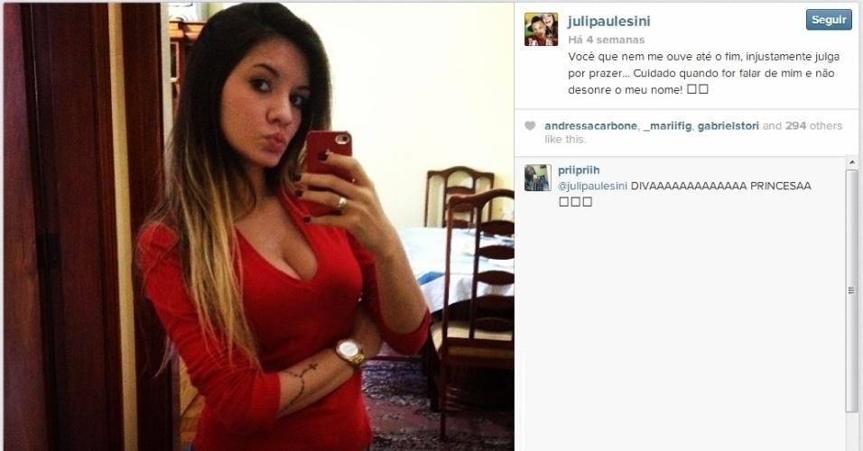 Juliana Paulesini faz sucesso no Instagram desde que Neilton, seu namorado, virou titular do Santos