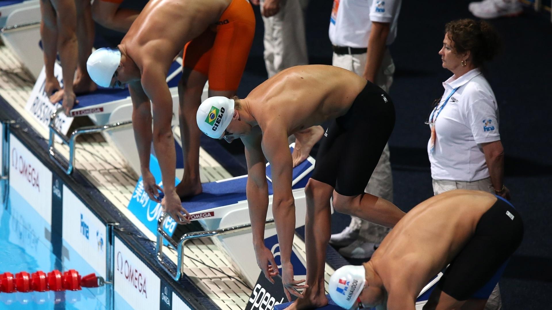 2.ago.2013 - César Cielo e MArcelo Chierighini se preparam para nadar as eliminatórias dos 50 m livre