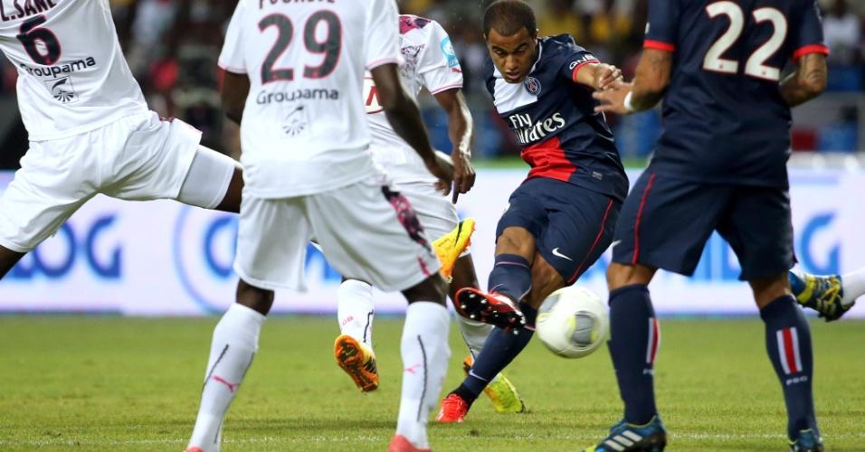 03.ag.2013 - Lucas em campo com o PSG pela final da Supercopa da França