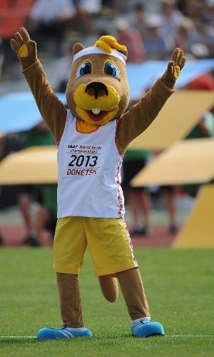 10.jul.2013 - Ostap, mascote do Mundial Junior de Atletismo de Donetsk, é fotografado durante a cerimônia de abertura da competição