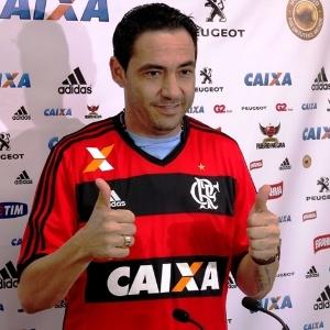 : Chicão celebra reencontro com 'pai' Mano no Flamengo e já pode estrear