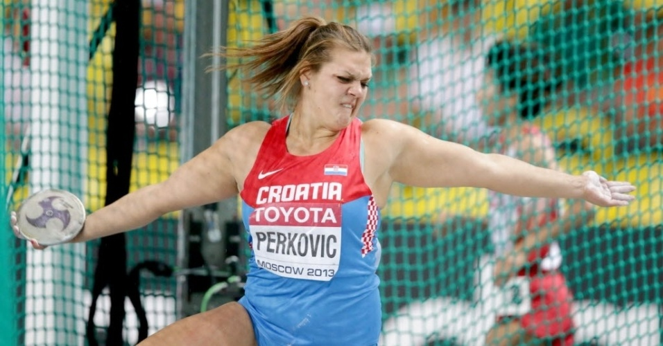 11.ago.2013 - A croata Sandra Perkovic se esforça para lançar o disco no Mundial; ela acabou com a medalha de ouro
